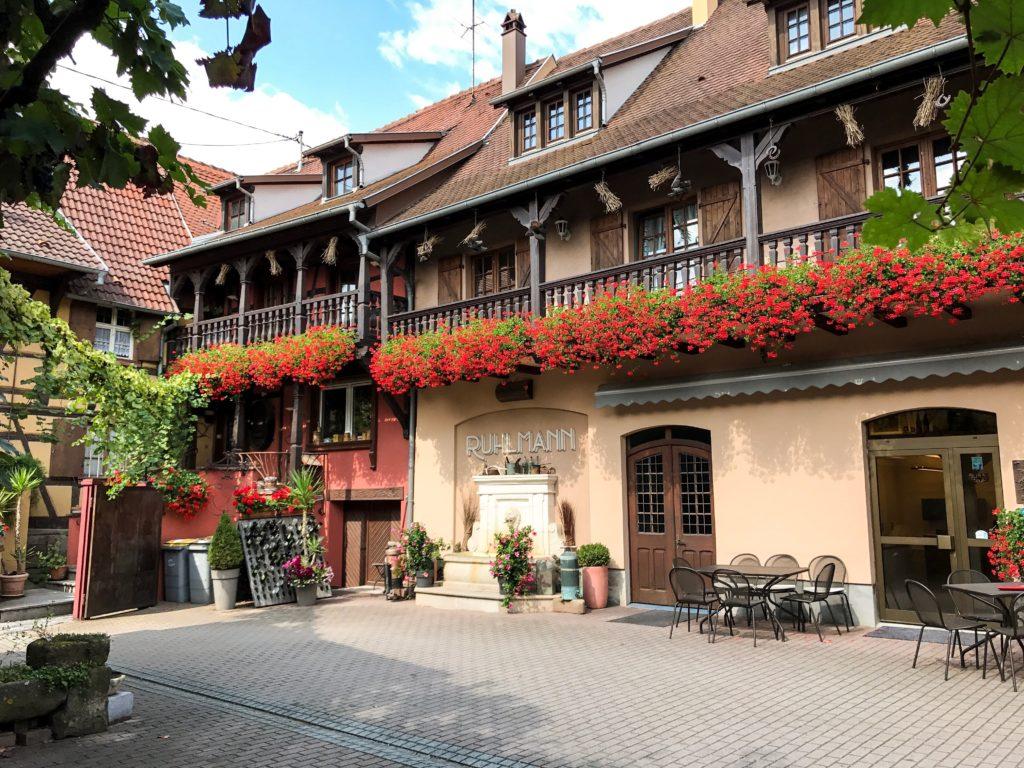Que Vous Soyez De Passage En Alsace Ou Dans La Region Occitanie Nous Ferons Un Plaisir Accueillir Nos Vignobles